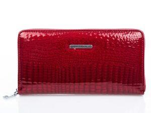 Lakierowany portfel damski czerwony zapinany dookoła na zamek